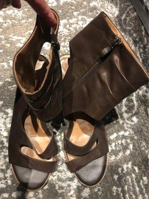 Tamaris Sandalias romanas marrón oscuro-crema Cuero