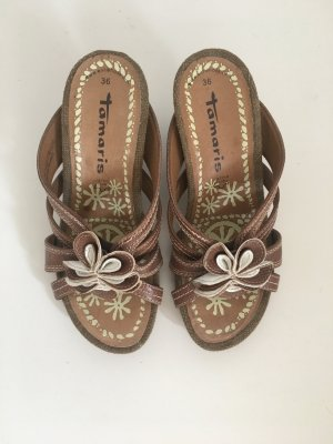 Tamaris Sandalen Sandaletten Keilabsatz Marke hochwertig Schlupfschuhe Gummisohle mit Profil Holz Absatz 36 braun Blume floral Leder Sommer