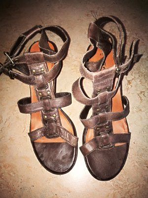 Tamaris T-Strap Sandals brown-dark brown