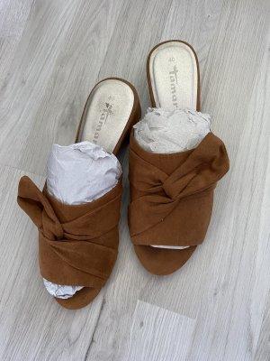 Tamaris Sandalias con tacón coñac-marrón