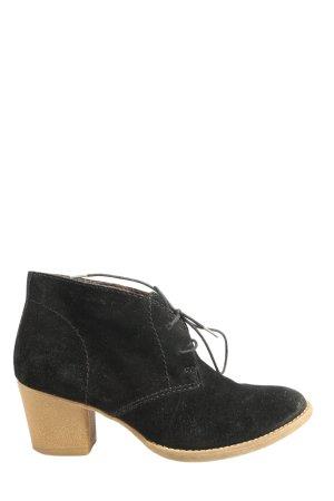 Tamaris Chaussures à lacets noir style décontracté