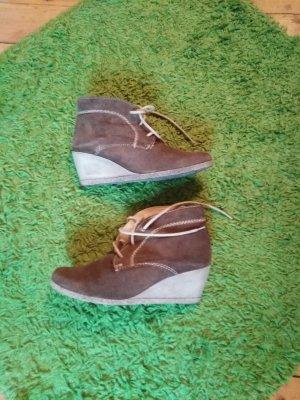 Tamaris Botas de cuña marrón grisáceo