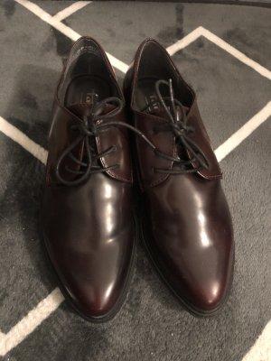 Tamaris Sznurowane buty bordo