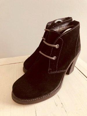 Tamaris schwarze Stiefeletten mit Blockabsatz Gr: 39