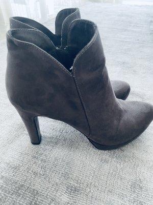 Tamaris Heel Boots grey