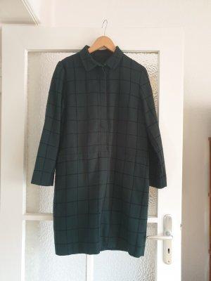 Tannengrünes Hemdkleid mit Karo-Muster