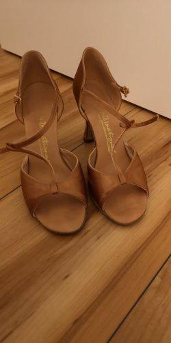 Zapatos de tacón con barra en T color bronce
