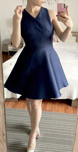 Tara Jarmon Kleid Gr. 36 S (franz. 38) blau Etuikleid Cocktailkleid ausgestellt