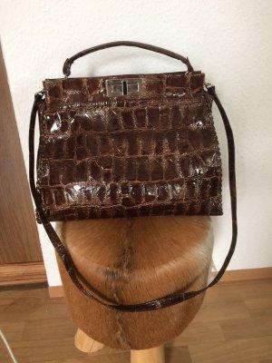 Bolso con correa marrón