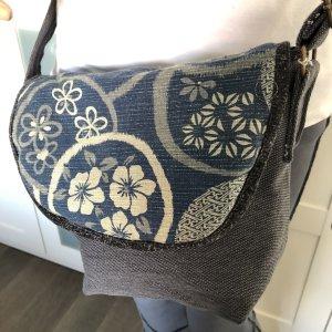 Tasche Canvas Baumwolle Indigo Print Motiv Blüten 27x23cm Tragegurt lang verstellbar