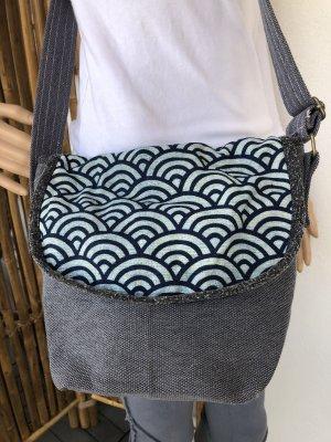 Tasche Canvas Baumwolle Motiv Wellen abstrakt Indigo Print 27x23cm Tragegurt lang verstellbar