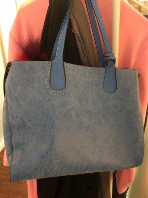 Bolso con correa azul acero