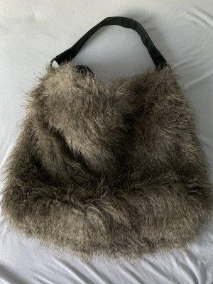 Tasche in Felloptik
