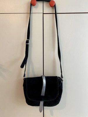 Tasche in Lederoptik mit Silber-Riemen