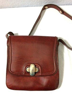 Tasche Leder rot Trendfarbe Merlot Umhängetasche Drehverschluss Vintage 70er