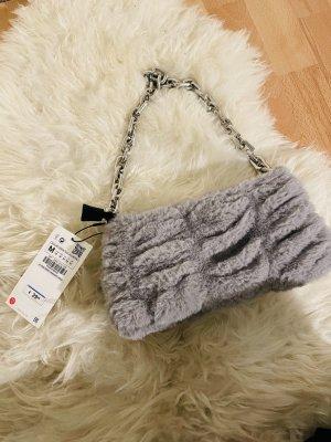 Tasche mit Fell von Zara