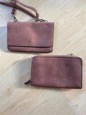 Tasche mit Geldbeutel