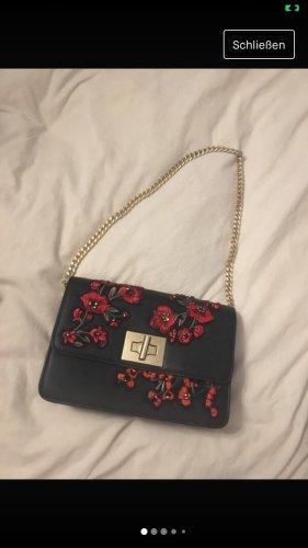 Tasche mit Rosenmuster