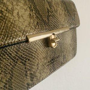Tasche mit Schlangen Muster