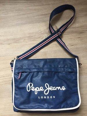 Tasche neuwertig