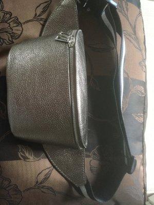 Tasche sehr exklusiv