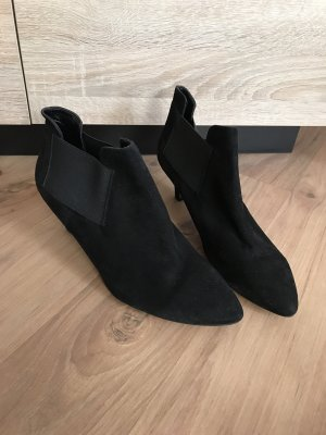 Taupage Slouch Booties black