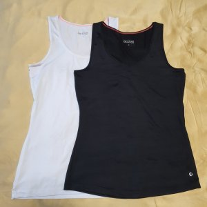 active ESSENTIALS by TCHIBO Sports Tank white-black