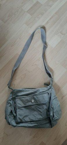 Tchibo Travel Reisehandtasche mit vielen Reißverschlusstaschen sportlicher Stil grau