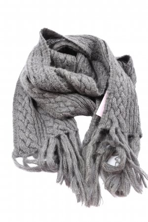 TCM Fringed Scarf light grey cable stitch casual look