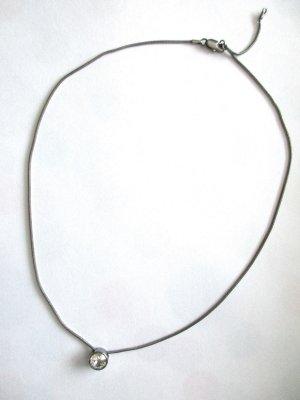 TCM Tchibo silberfarbene Halskette Kette dunkel transparenter Stein