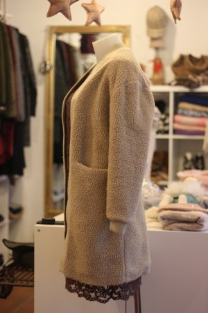 Guess Pluszowa kurtka czarny-jasnobeżowy