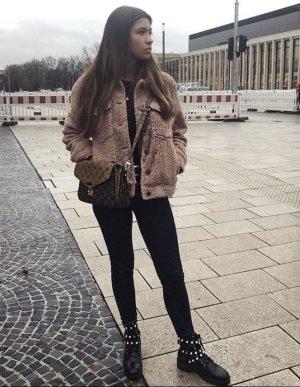 Bershka Chaqueta de piel rosa