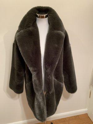 Zara Cappotto in eco pelliccia verde scuro
