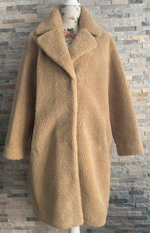 STAND STUDIO Cappotto in eco pelliccia beige