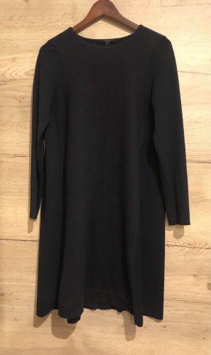 COS Robe en laine bleu foncé