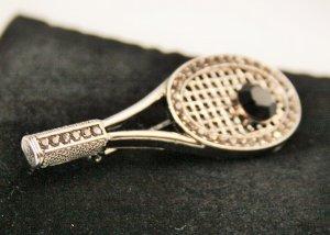 Tennisschläger silberne Brosche mit Straßsteinen Neu!