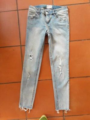 terranova Jeans mit Löchern,  ITA 42, USA 27
