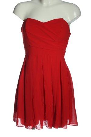 TFNC Robe épaules nues rouge élégant