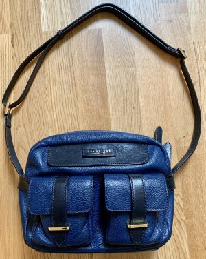 The Bridge messenger bag in Marineblau
