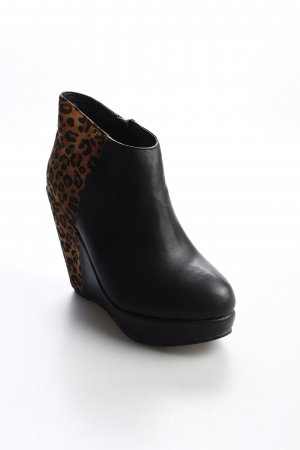 The Divine Factory Ankle Boots schwarz-braun Leomuster Materialmix-Look