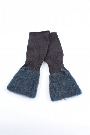 the girl and the gorilla Legwarmers brown-blue casual look