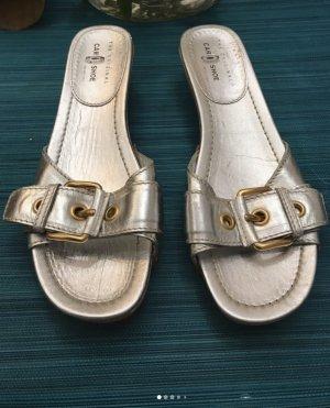 The original Car Shoe Clogs Sandalen gold silber 41 1/2 neu