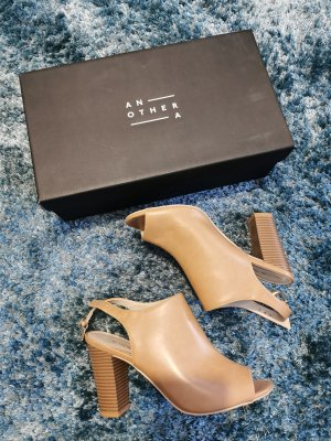 The shoes C&A schuhe sling pumps caramel