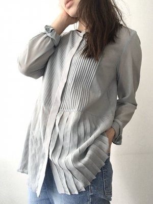 Theory | Plisséebluse aus Silk Stretch - neu!