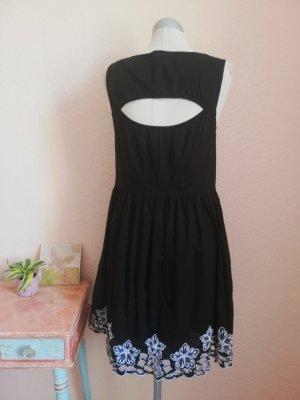 therapy Kleid Sommerkleid Spitze schwarz weiß Gr. UK 10 EUR 38 S M 100 % Baumwolle Lochstickerei neu