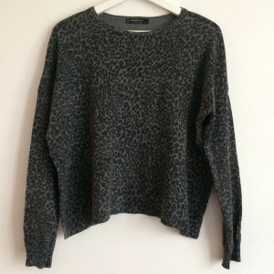 Thin Cotton Pullover with Leopard Print