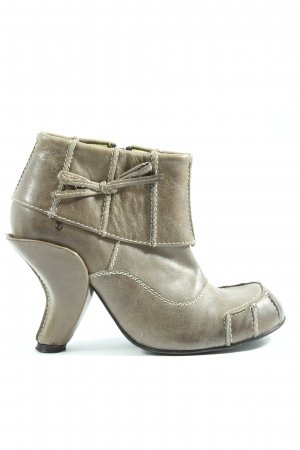 Tiggers Reißverschluss-Stiefeletten hellgrau Street-Fashion-Look