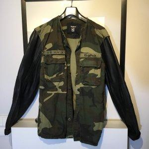 Tigha Jacke mit Leder L 40 army Muster neuwertig