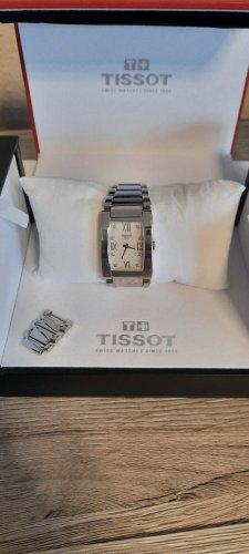 Tissot Reloj con pulsera metálica color plata