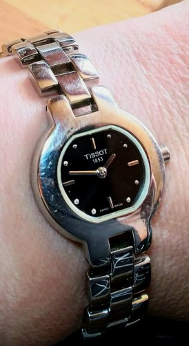 Tissot Watch With Metal Strap black-silver-colored